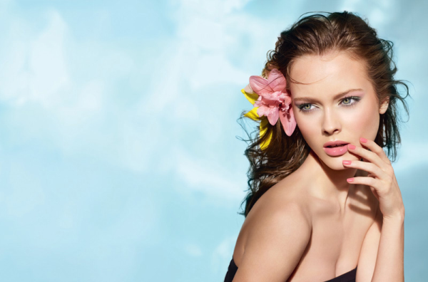 Les-Fleurs-DEte-De-Chanel-Summer-2011-Makeup-Collection-promo